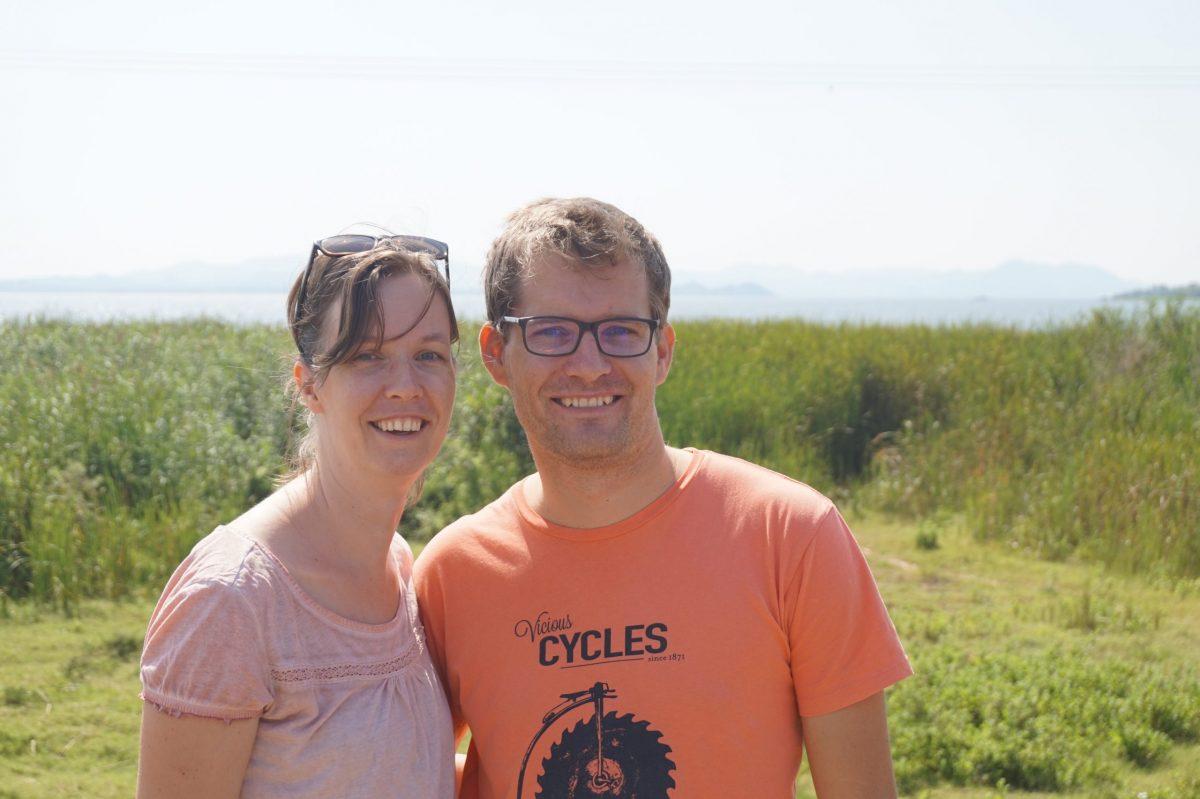 Veldmedewerker Hanneke met haar man Michiel